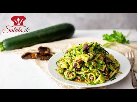 vegane Zucchininudeln mit Avocado und Oliven I Fettfasten Rezept