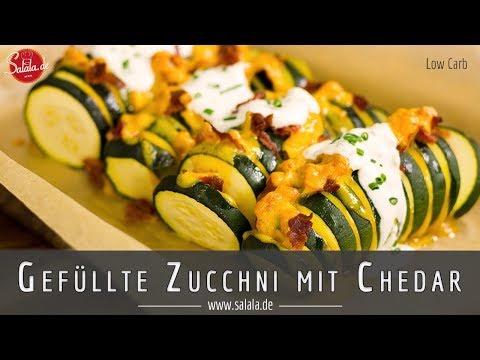 Gefüllte Zucchini mit Cheddar und Bacon Low Carb Rezept