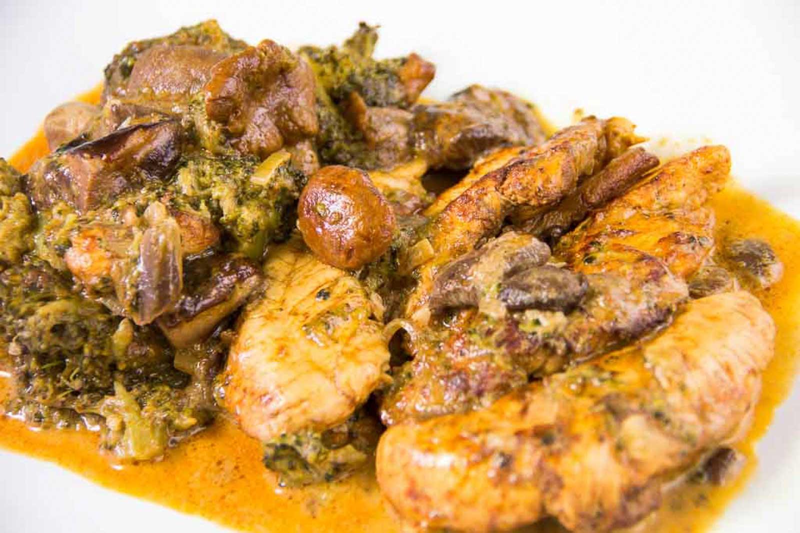 Hähnchen mit Waldpilz-Brokkoli-Sauce
