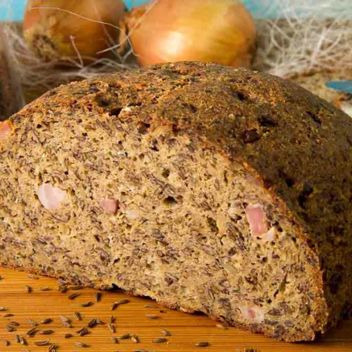 Speck Zwiebel Brot