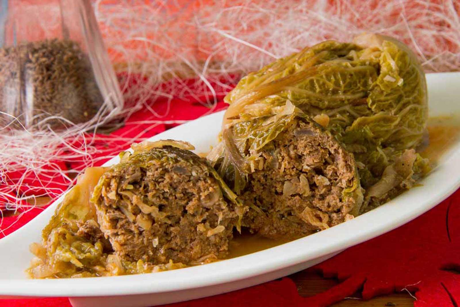 Wirsingwickel mit Sauerkraut – Low Carb