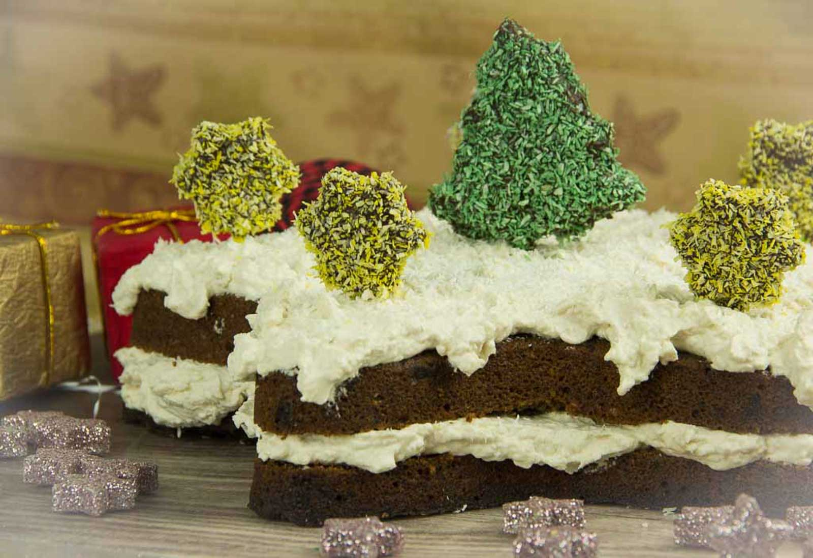 Naked Cake: Weihnachtsstern Torte – Naked Christmas Cake mit Cake Pops – Low Carb