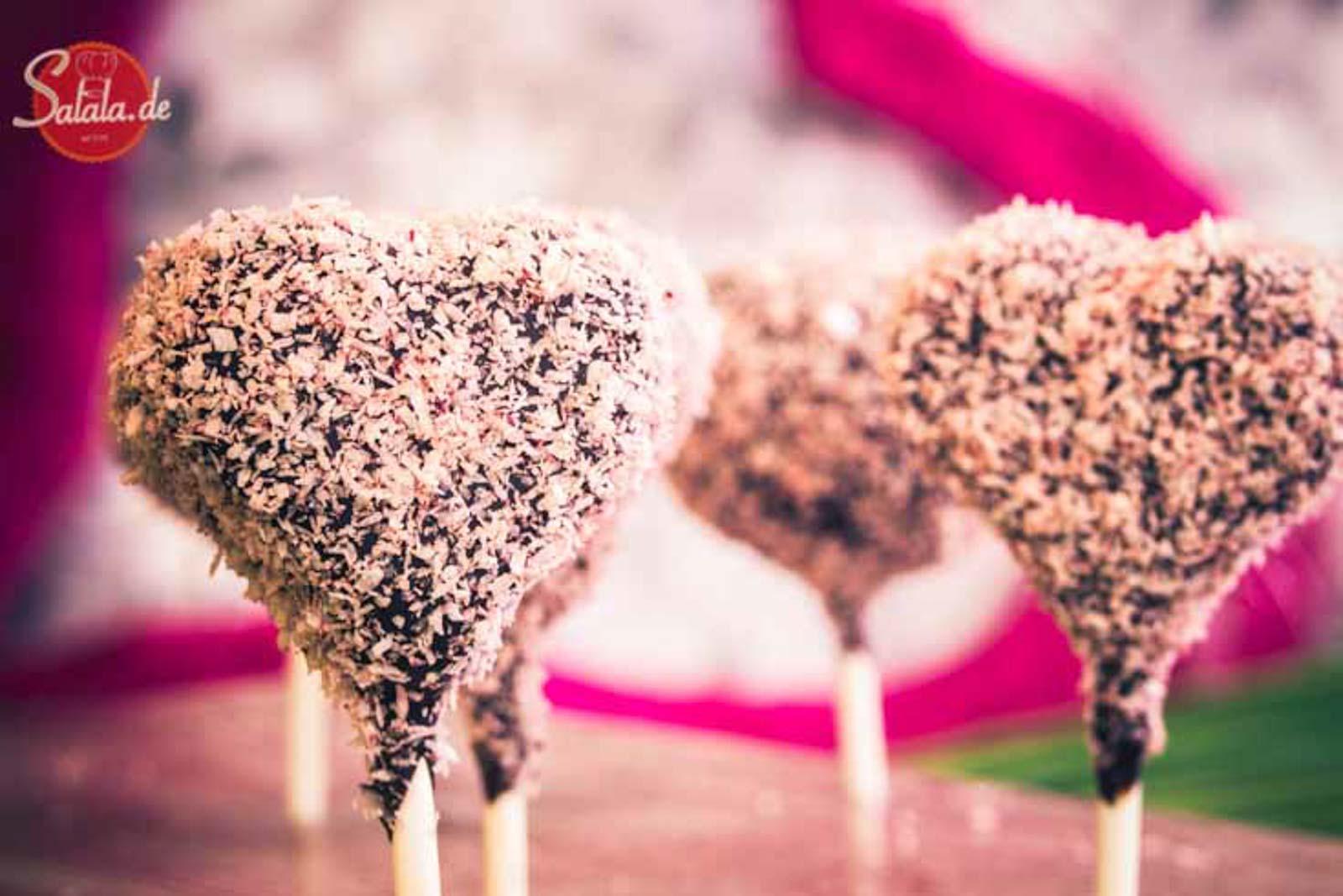 Cake Pops zum Valentinstag – low carb und glutenfrei