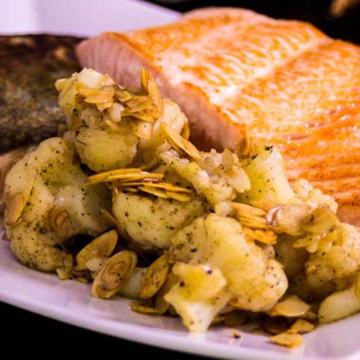 lachsfilet mit mandel blumenkohl omega 3 fettsäuren artikel bedarf gehalt low carb glutenfrei salala.de