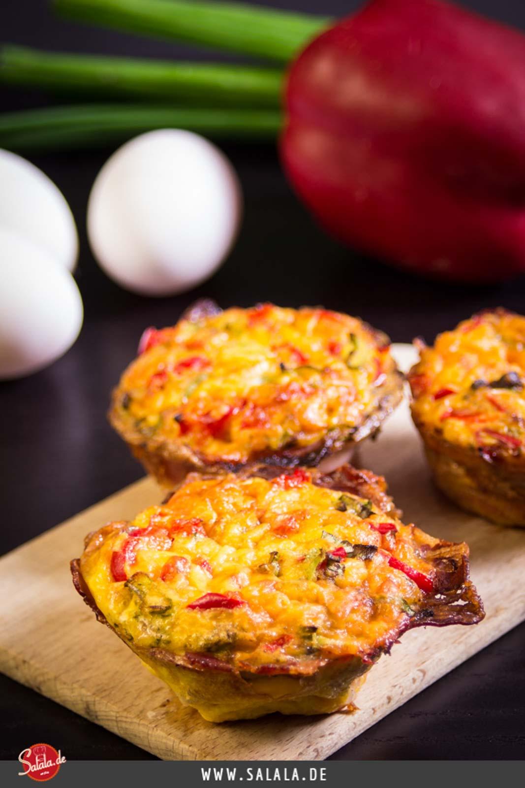 Leckere Frühstücksmuffins Low Carb ideal zum Vorbereiten für's Frühstück. Rezept ohne Mehl und demnach glutenfrei.