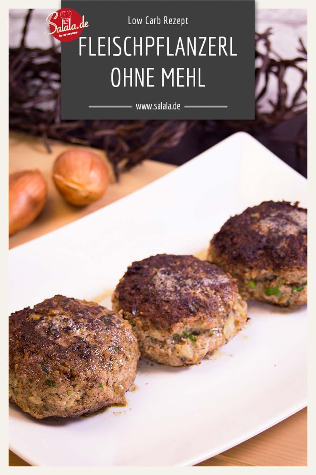 Leckere Low Carb Fleischkücherl ganz ohne Mehl und Brot. Sind super saftig und halten auch zusammen. #Fleischkücherl #Fleischpflanzerl #Buletten #lowcarb