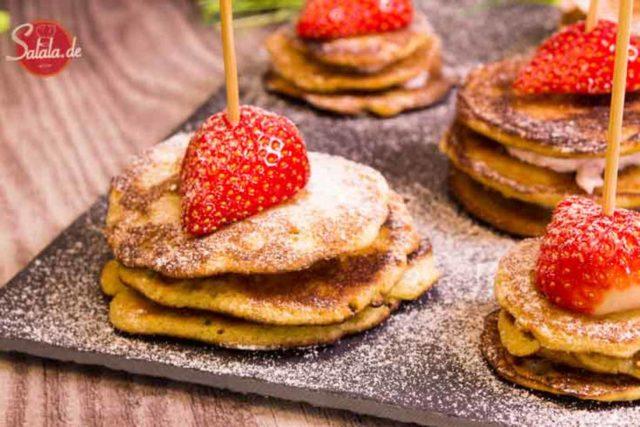 Pfannkuchen-Türmchen zum Muttertag – Low Carb Rezept