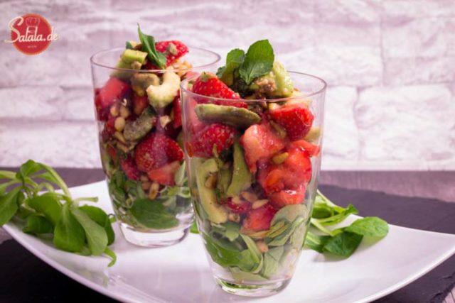 low carb vorspeise avocado erdbeer salat salala.de rezept