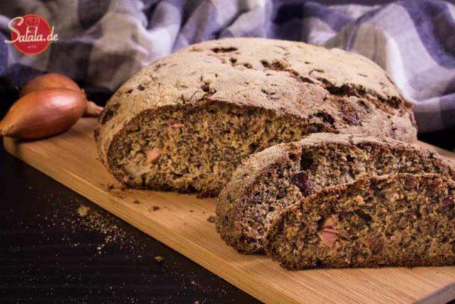 Low Carb Brot Speck Zwiebel brot glutenfrei mehlfrei ohne mehl backen salala.de