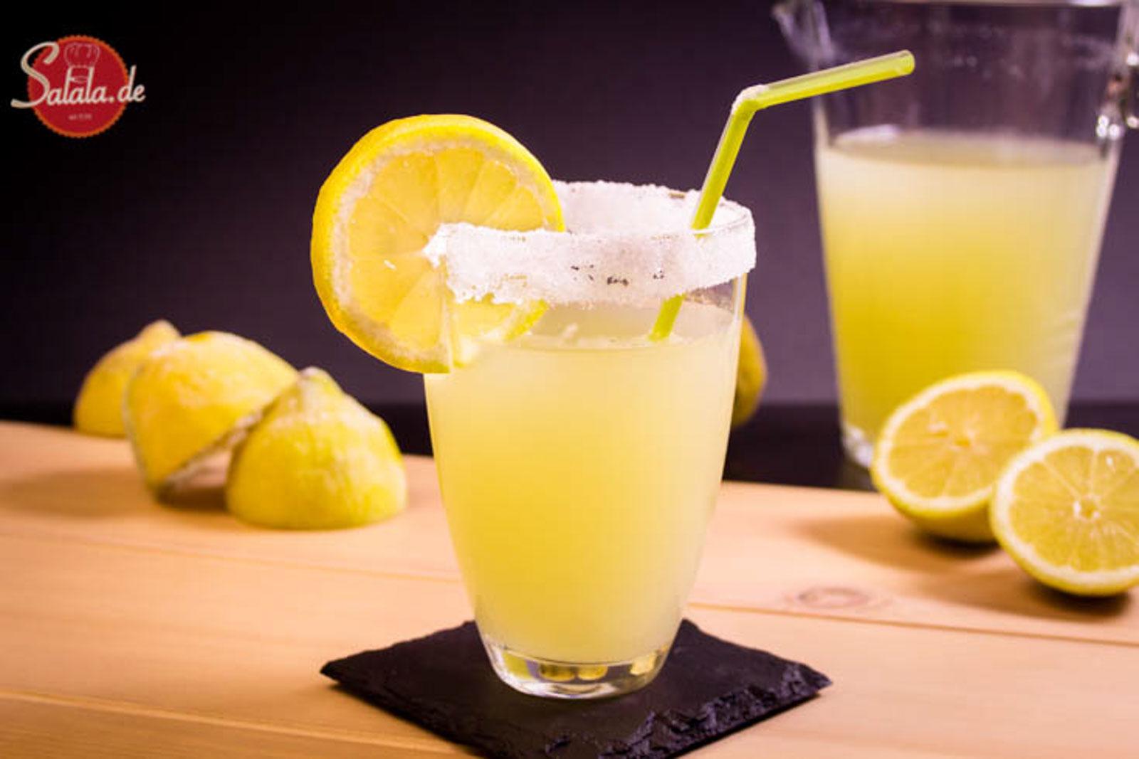 Zitronensüß Game of Thrones Getränk Low Carb ZItronenlimonade Rezept