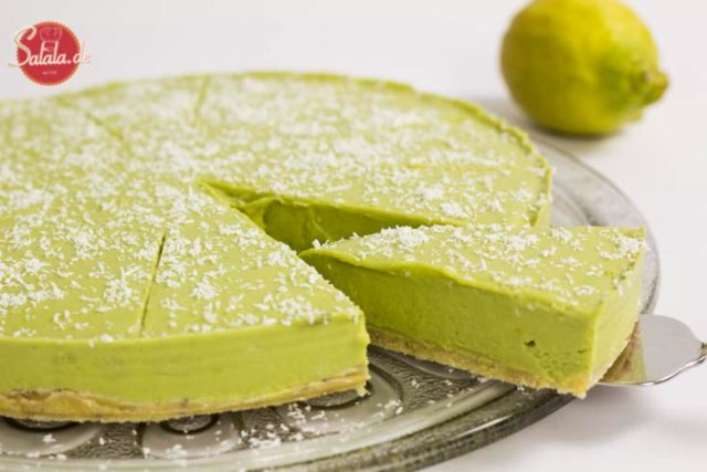 Avocado-Zitronen-Torte low carb backen zuckerfrei mehlfrei glutenfrei salala.de