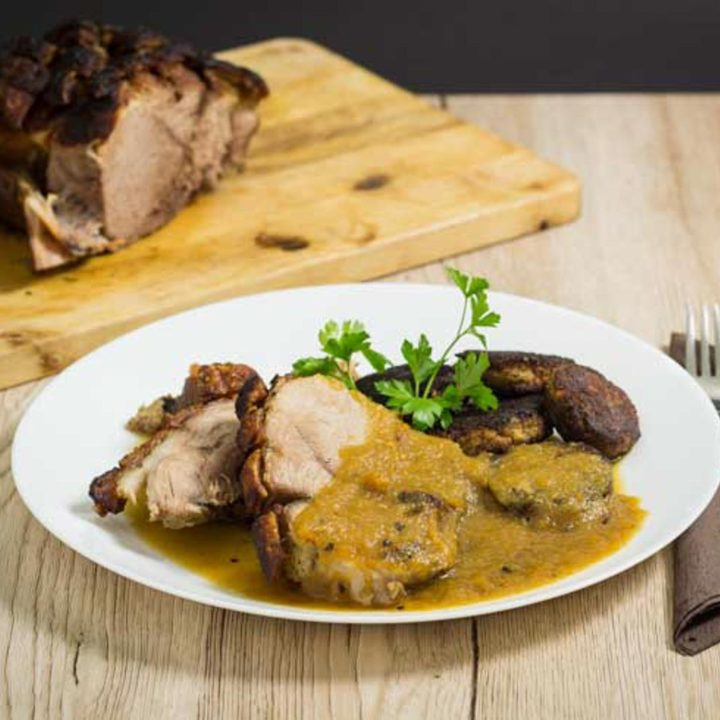 Bayerischer Schweinebraten mit Kruste Rezept Low Carb kochen mit himmlischer Sauce