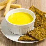 Käse-Dip selbst machen Cheese Dip für Nachos ohne Mehl zuckerfrei low carb salala.de