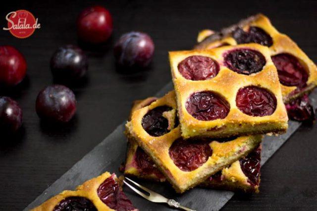 Pflaumenkuchen mit 2 Böden Low Carb Rezept und glutenfrei, ohne Zucker und ohne Mehl salala.de