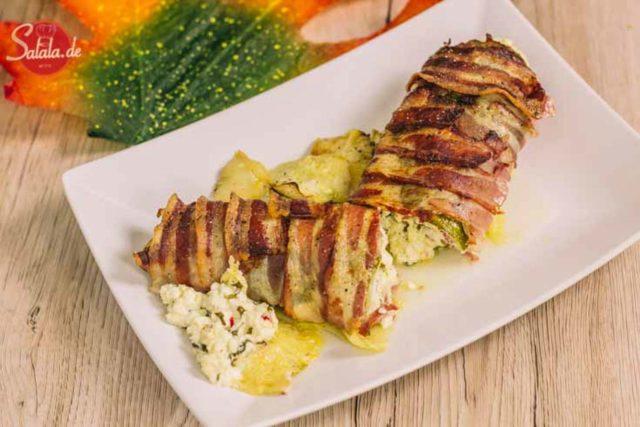 gefüllte Zucchini mit Feta-Käse Schafskäse im Baconmantel low carb glutenfrei salala.de