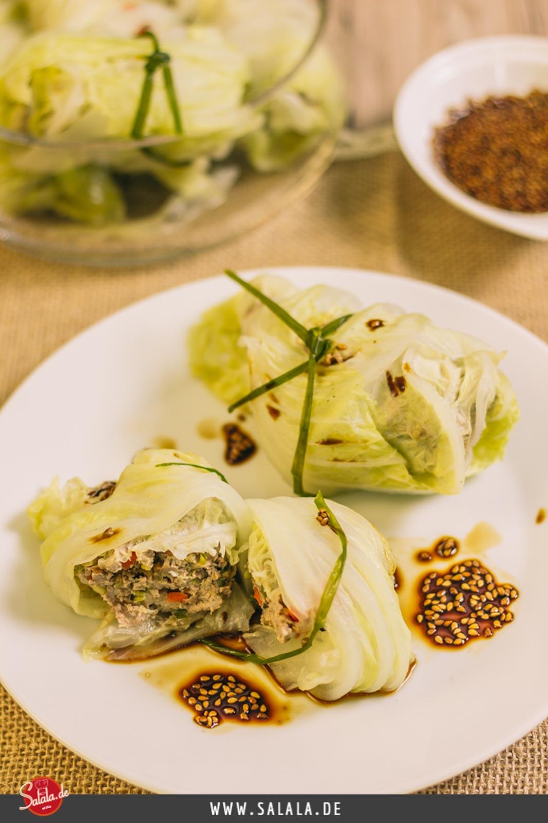 Gefüllte Chinakohlröllchen low carb - by salala.de - Low Carb Hautpgericht, Schweinefilet, Sesam, Sojasauce Asiatisch glutenfrei Rezept