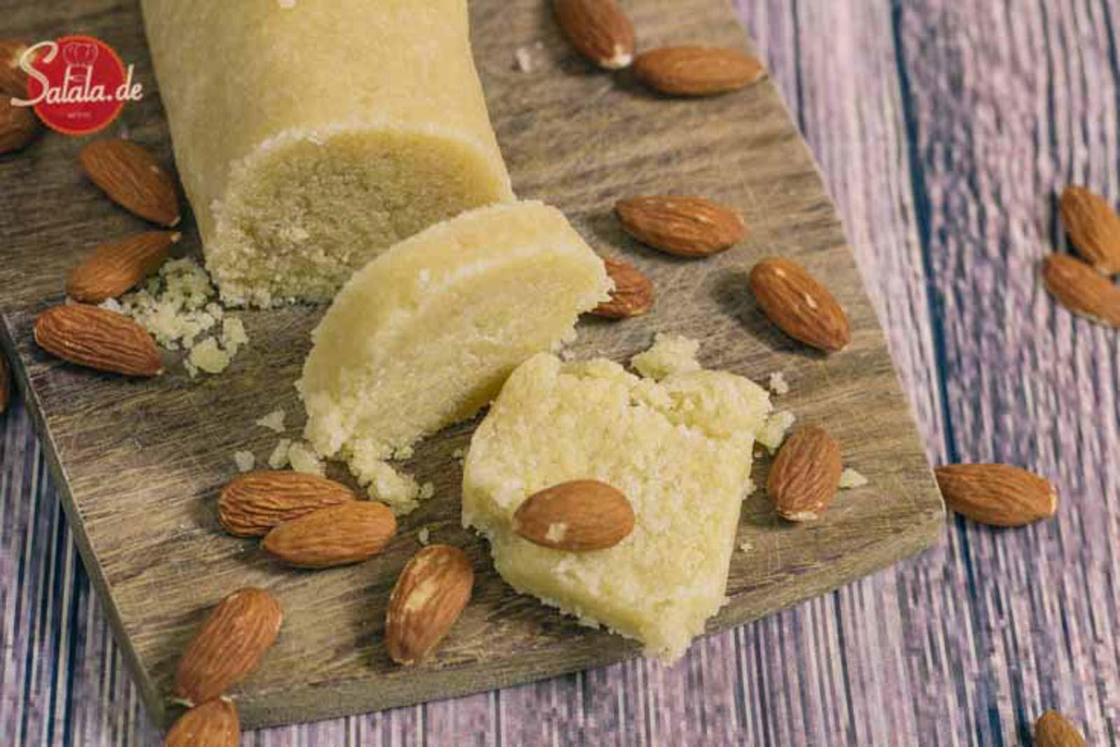 Low Carb Marzipan einfach selber machen - by salala.de - Maripan ohne Zucker Low Carb glutenfrei zuckerfrei Rezept