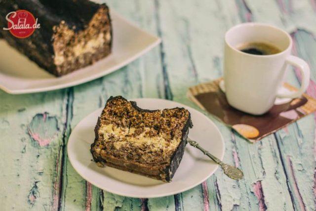 Walnuss-Rum-Kuchen low carb und ohne Mehl - by salala.de - Kuchen mit Rum-Sahne und Schokoglasur, zuckerfrei