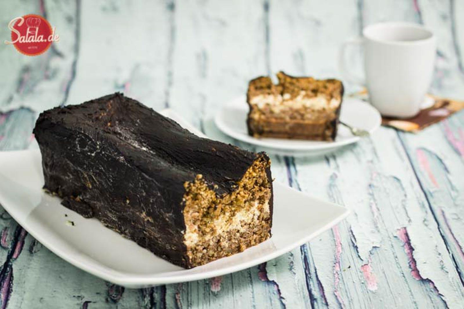Walnuss-Rum-Kuchen low carb und ohne Mehl - by salala.de - Kuchen mit Rum-Sahne und Schokoglasur, zuckerfrei Rezept