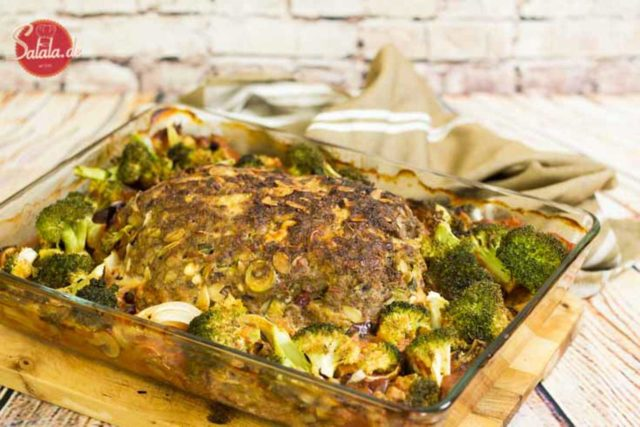 Hackbraten Rezept ohne Kohlenhydrate Low Carb und glutenfrei - by salala.de - Hackbraten ohne Brot mit Oliven Feta Tomaten Rezept