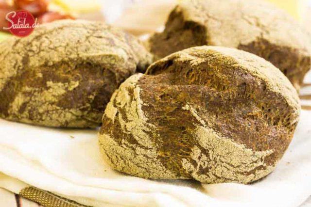 Low Carb Hanfbrötchen - by salala.de - Low Carb Brötchen Semmeln Schrippen Ballaststoffe Frühstück Rezept Hanfmehl Hefe Low Carb Backen glutenfrei getreidefrei