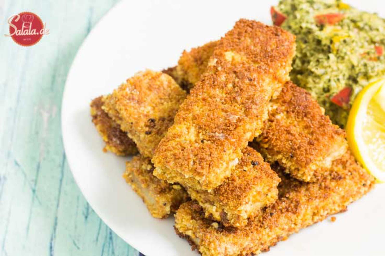 Fischstäbchen selber machen Low Carb mit knuspriger Panade Rezept und glutenfrei salala.de mit Low Carb Paniermehl