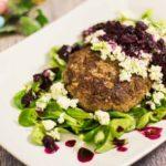 Hacksteak aus Lamm mit Nashi Blaubeer Salsa selber machen Low Carb Rezept ohne Mehl mit Lammhackfleisch