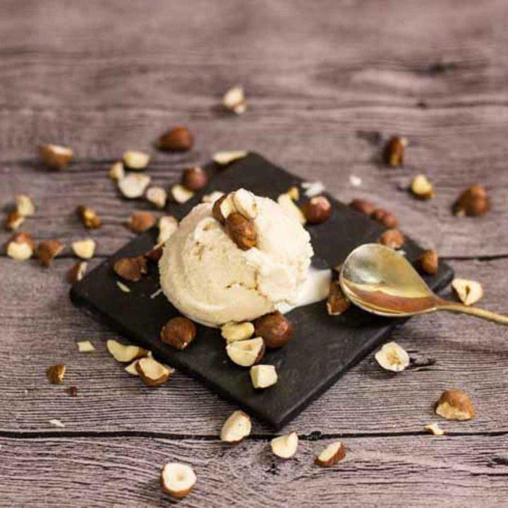 cremiges Haselnusseis selber machen by salala.de Rezept ohne Zucker und Low Carb