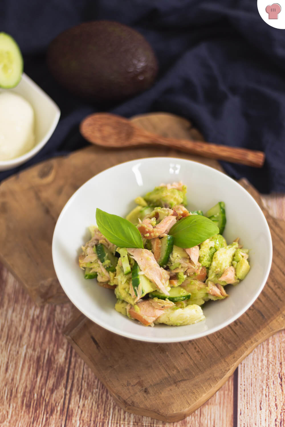 avocado lachs bowl keto mittagessen im b ro low carb mit vroni nico. Black Bedroom Furniture Sets. Home Design Ideas