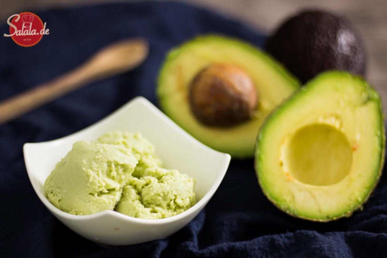 Avocadoeis ohne Zucker – Low Carb Rezept mit der Eismaschine Ibywind YF700