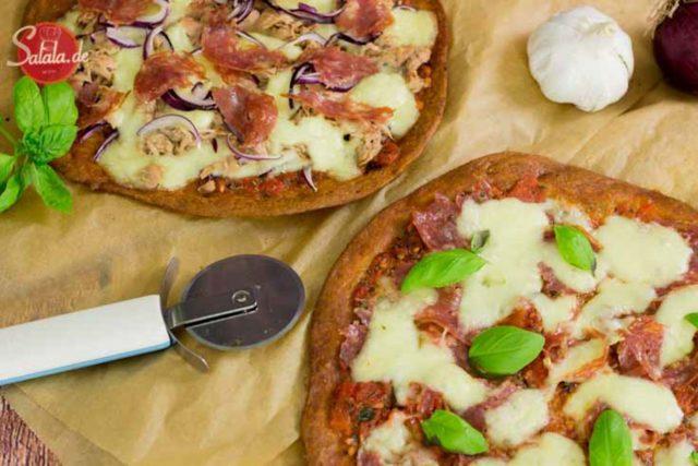 Keto Fathead Pizzateig - by salala.de - Low Carb Pizzateig mit Mozzarella und Mandelmehl einfach selber machen