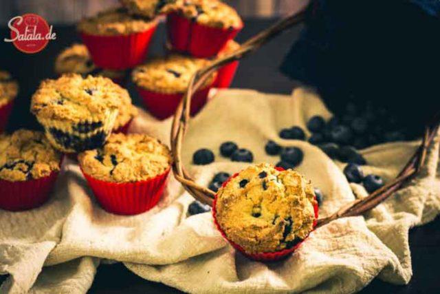 Blaubeermuffins - by salala.de - Low Carb Rezept ohne Mehl mit Heidelbeeren #lowcarb #lowcarbrezepte #glutenfrei #muffins #heidelbeeren #zuckerfrei