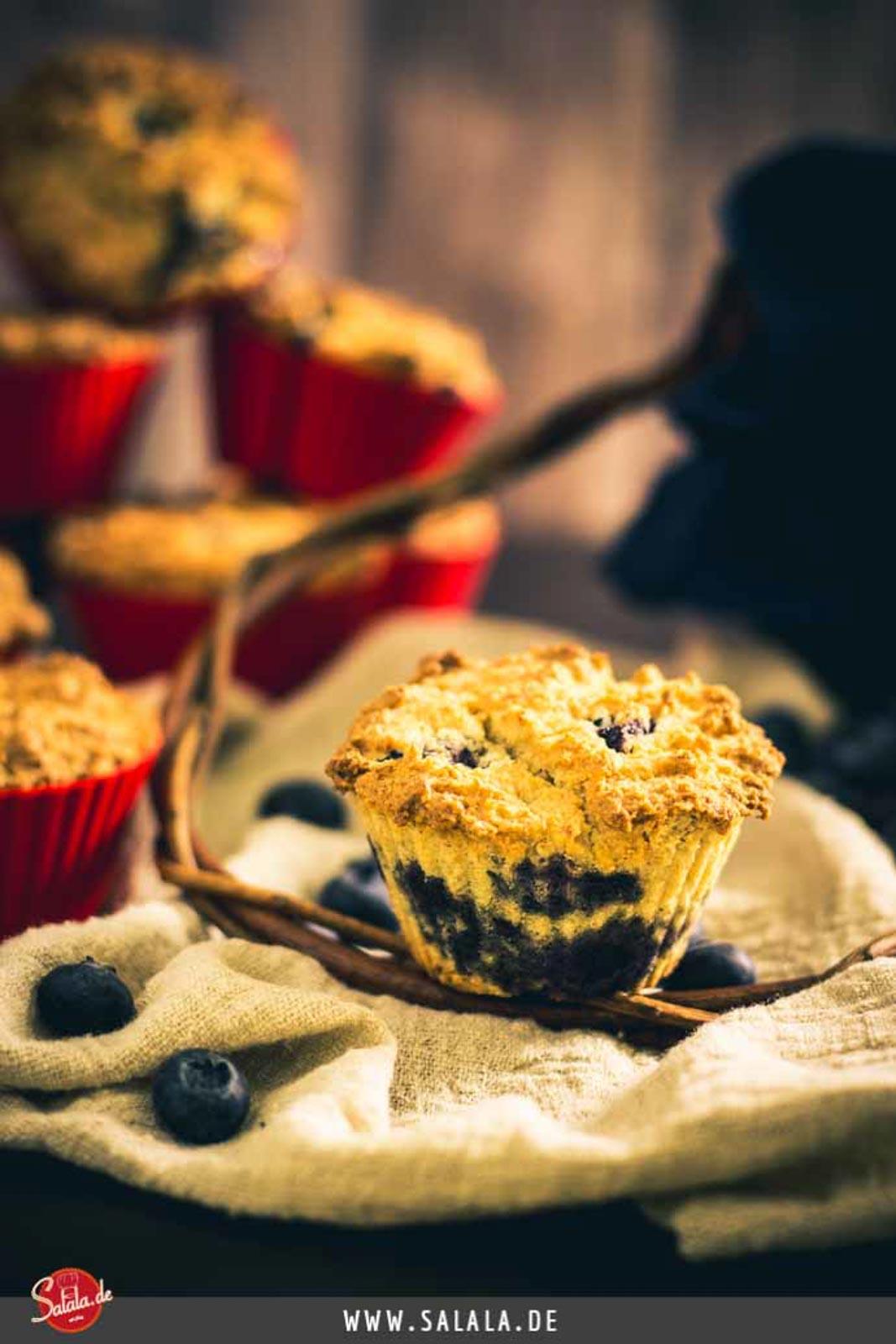 Blaubeermuffins - by salala.de - Low Carb Rezept ohne Zucker und glutenfrei #lowcarb #lowcarbrezepte #glutenfrei #muffins #heidelbeeren #zuckerfrei