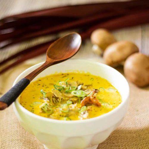Champignoncremesuppe - by salala.de - Rezept ohne Mehl Low Carb und vegetarisch selbstgemacht #lowcarb #rezepte #lowcarbrezepte #suppe #champigons #glutenfrei
