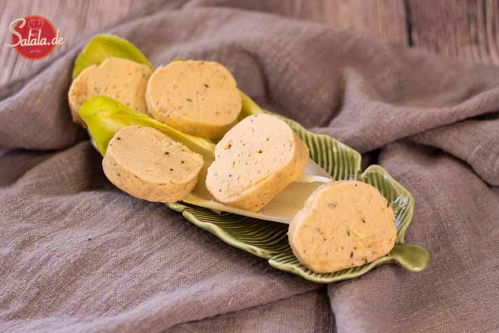 Lachs-Frischkäse Fat Bombs Rezept - by salala.de - Keto Fettbömbchen zum Auffüllen mi Frischkäse #lowcarb #keto #lowcarbrezepte #ketorezepte #fatbombs #lachs