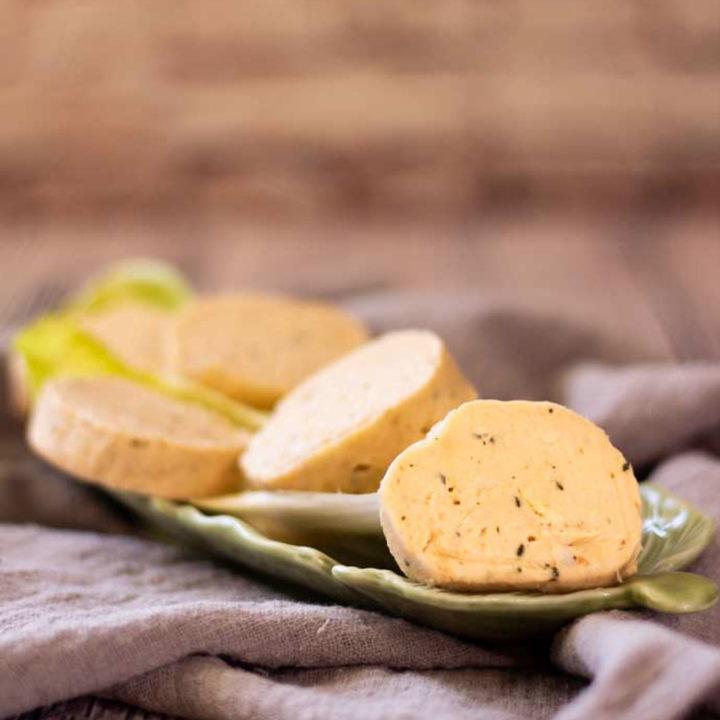 Lachs Frischkäse Fat Bombs Rezept by salala.de Keto Fettbömbchen zum Auffüllen mit Frischkäse und Basilikum