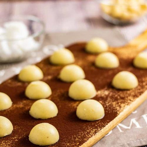 Macadamia Keto-Fat Bombs - by salala.de - mit Butter und Kokosöl ketogenes Rezept zum Fett auffüllen