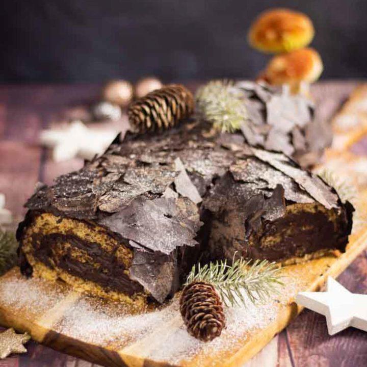 Bûche de Noël Rezept ohne Mehl und Zucker by salala.de Weihnachtskuchen Low Carb als Dessert mit Schokocreme