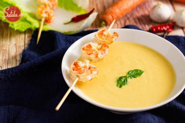 Chinakohlsuppe mit Garnelen I leckere Low Carb Cremesuppe als Vorspeise by salala.de