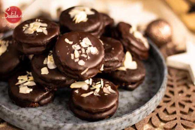 Ischler Törtchen mit Schokoladen-Buttercreme - by salala.de - ohne Zucker und ohne Mehl I Low Carb Plätzchen Rezept