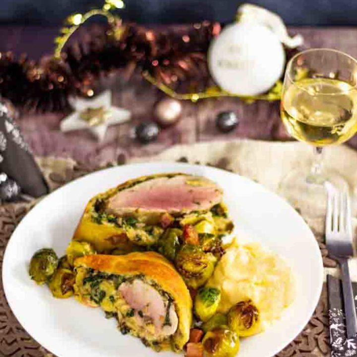 Schweinefilet im Fat Head Mantel by salala.de Low Carb Alternative zu Schweinefilet im Blätterteig I Weihnachtsmenü mit Rosenkohl und Püree