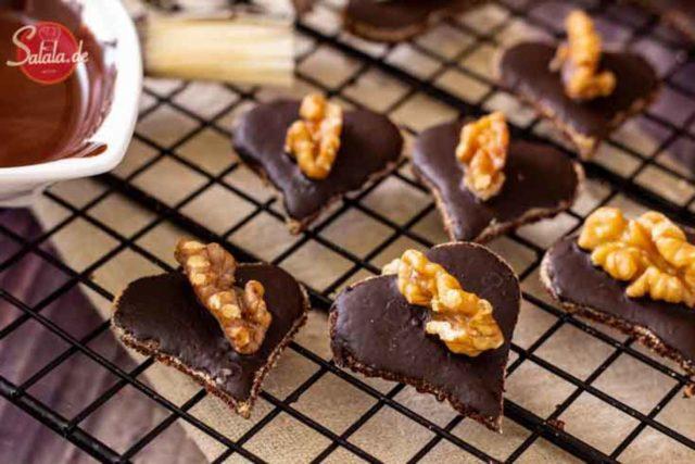 Walnussherzen mit Schokolade