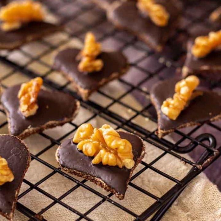 Walnuss Schokoladen Herzen by salala.de Weihnachtsplätzchen ohne Mehl und Zucker I Low Carb Rezept ohne Zucker