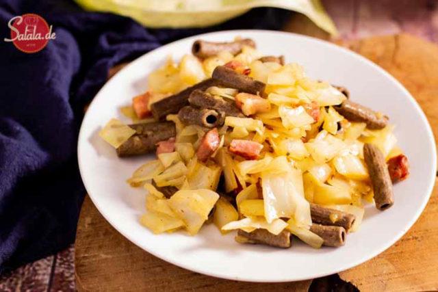 Krautfleckerl Rezept mit Speck - by salala.de - Low Carb und glutenfrei mit Lizza Nudeln