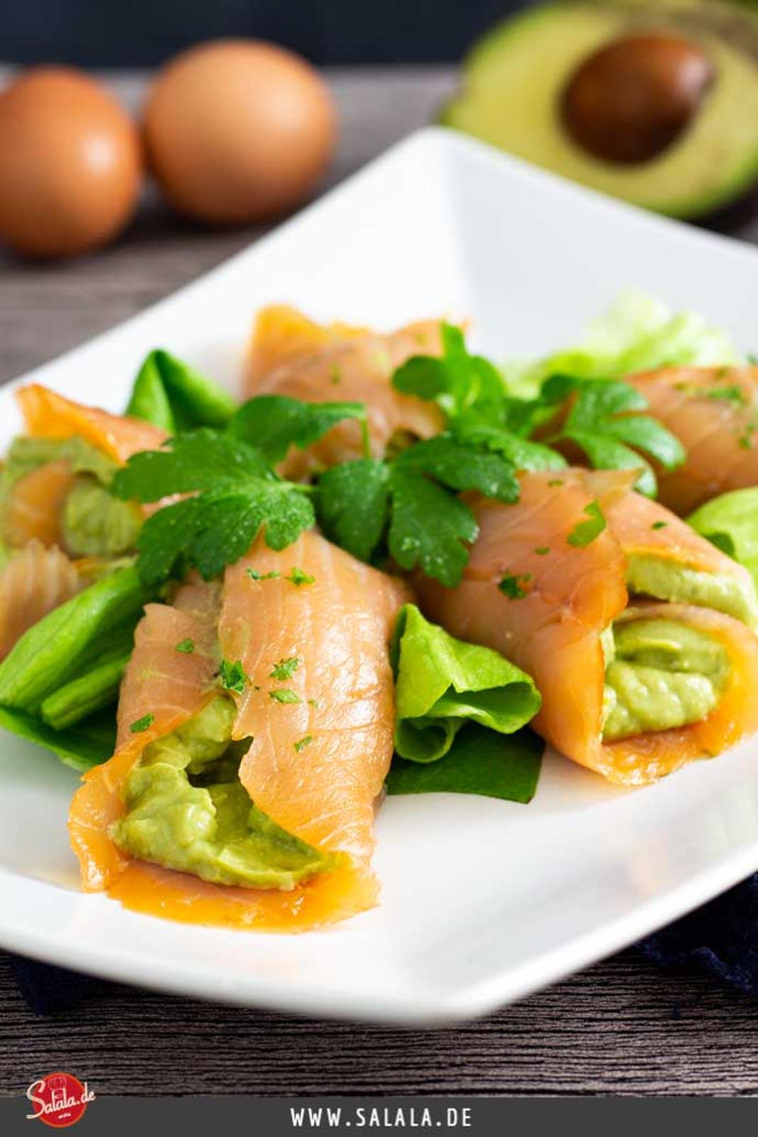 Lachsröllchen mit Avocado-Ei-Füllung I by salala.de I Keto Snack Rezept zum vorbereiten