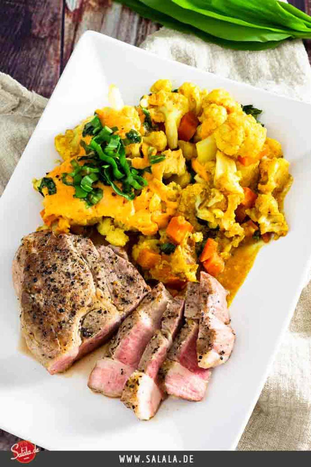 Cheddar-Blumenkohl mit Nackensteak in der Krups Cook4Me+ Connect I salala.de I Low Carb Rezept mit Schweinefleisch