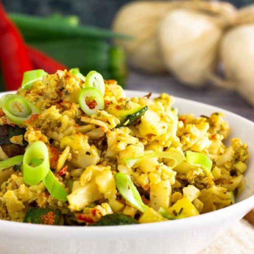 Gebratener Reis aus Blumenkohl mit Zucchini I by salala.de I Low Carb Rezept vegetarisch Eierreis