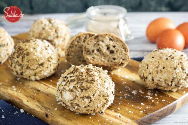 Würzige Keto-Brotbällchen