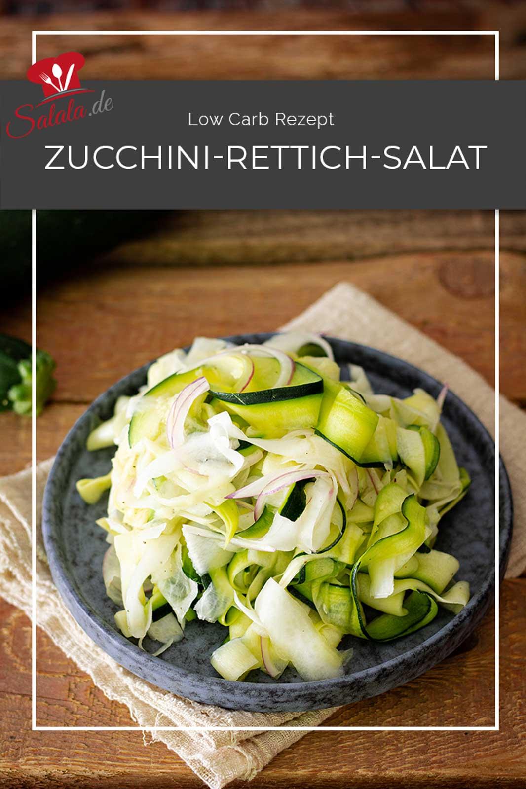 Perfekt für den nächsten Grillabend gibt's einen leckeren Zucchini-Rettich-Salat mit einer einfachen Low Carb Vinaigrette. Die Gemüsestreifen haben wir ganz klassisch mit dem Sparschäler gehobelt. Und die Vinaigrette mit Zitronensaft verfeintert. Lecker, leicht passend für deinen Low Carb oder keto Sommer.  #rettichsalat #zucchinisalat #zucchiniroh #rezeptemitzucchini #lowcarbsalat #salatzumgrillen #zucchinisalatmitrettich #radisalat #ketosalat #salatdressing #lowcarbsalatdressing