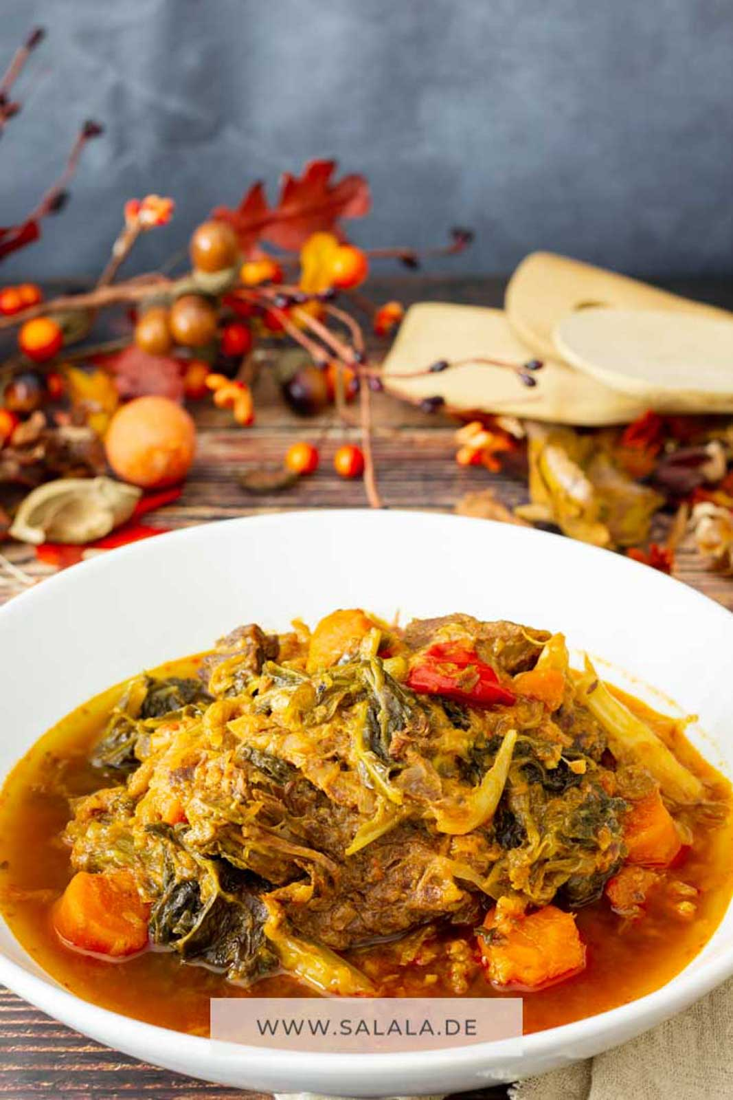 Wirsingeintopf mit Suppenfleisch I by salala.de I Low Carb Eintopf mit Wirsing, Speck, Rindfleisch und Möhren im Schnellkochtopf (1)